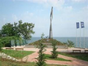 Склупторът Альоша Кафеджийски за паметника на подводничарите в Созопол 1