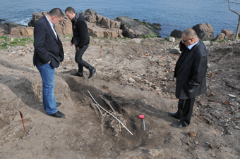 Дъждът изми скелет при разкопките на нос Скамни в Созопол 13