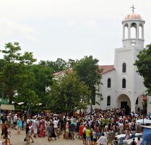 """Мощите на Кръстителя от днес почиват в обновената църква """"Св.св. Кирил и Методий"""" в Созопол 5"""