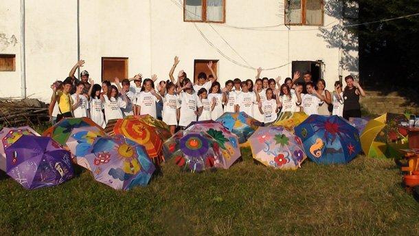 Български и турски деца показват рисунките си на детската Аполония 3