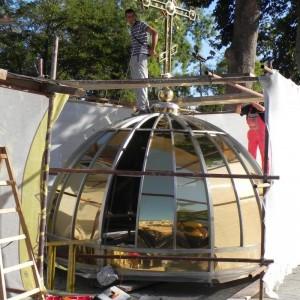 """В Созопол пристигнаха триметровият златен кръст и купълът за църквата """"Св.св.Кирил и Методий"""" 2"""