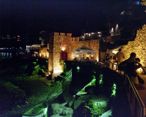 Южна крепостна стена и кула в Старият град на Созопол