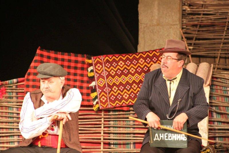 Театъра при читалище Отец Паисий - Созопол ще представи постановката Вражалец пред варненска публика 3