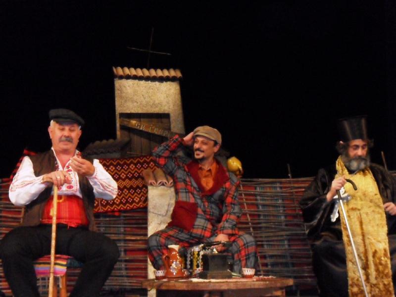 Театъра при читалище Отец Паисий - Созопол ще представи постановката Вражалец пред варненска публика 4