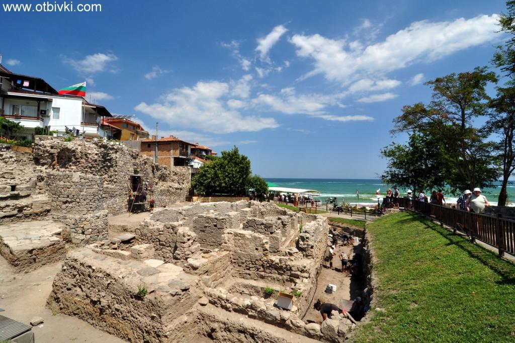 Разкопки при входа на Аполония Понтика