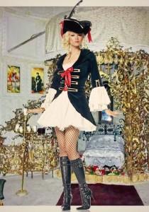 Замъка в Равадиново търси своята придворна дама