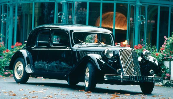 Созопол посреща 9-тият парад за класически автомобили и мотоциклети 1