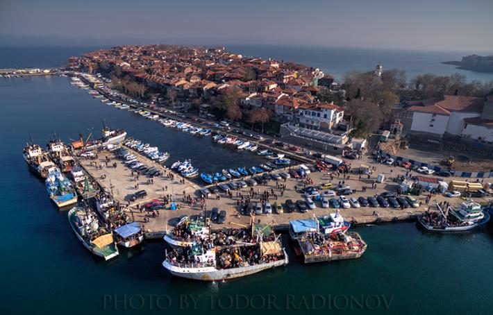 Как Созопол празнува Никулден през 2015 - снимка от въздуха на Тодор Радионов